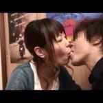 かわいい女の子と王様ゲームでキスをしよう!
