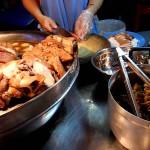 タイの屋台で食べられる豚めしが最高にウマい!