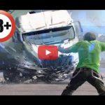 【ドラレコ】交通事故の瞬間をとらえた衝撃映像!